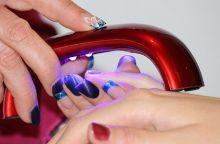 manicure-1365552_640